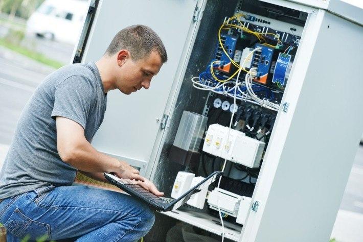 Dostęp do nieruchomości i infrastruktury dla firm telekomunikacyjnych