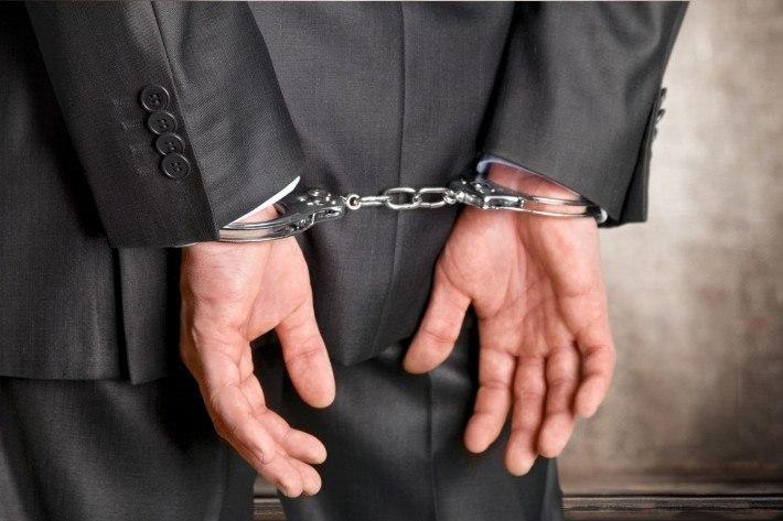 Tymczasowe aresztowanie pracownika. Co musi wiedzieć pracodawca?
