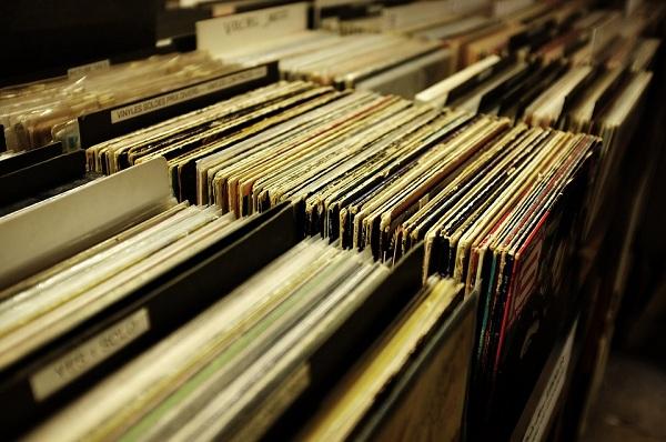 Umowa a wyłączenie ochrony praw autorskich